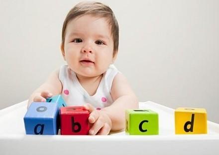 幼儿学英语越早越好吗 专家来分析