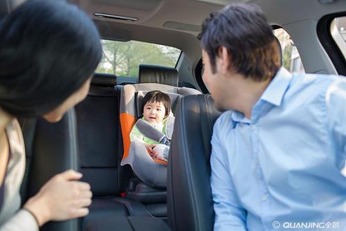 怀里抱着不安全?儿童安全座椅为何非买不可?
