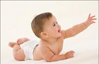 读懂宝宝三大翻身讯号 及时为宝宝做翻身训练
