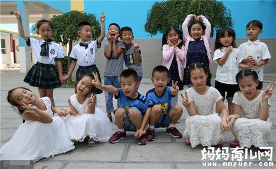 省邯郸市渚河路小学一年级开学第一天
