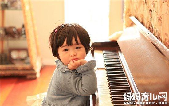 孩子学钢琴真的越好吗 孩子学钢琴的最佳年龄是几岁
