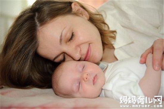 宝宝喜欢妈妈搂着睡觉