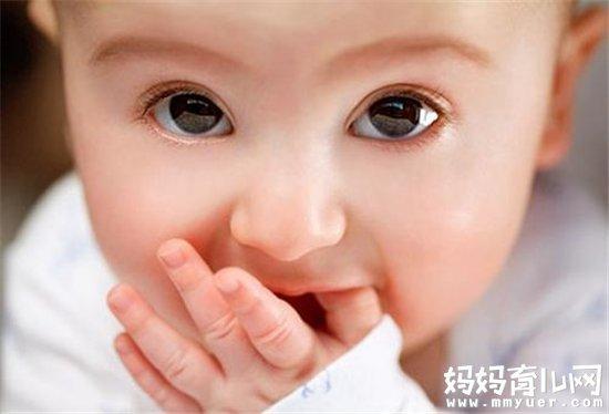 宝宝吃手家长需要纠正吗