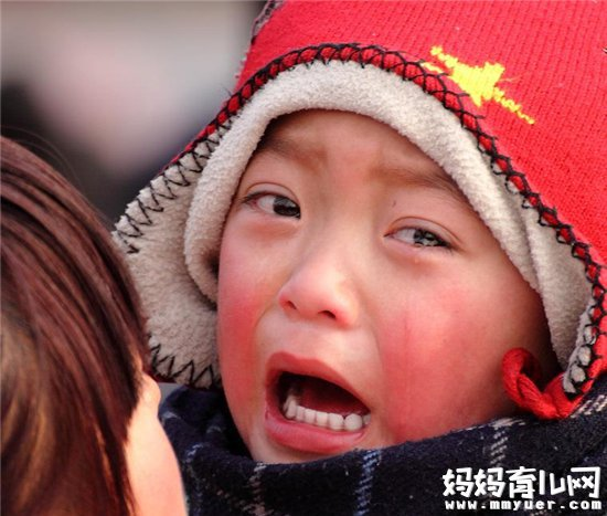 宝宝哭泣该如何处理 妈妈必看你们的做法是否是错误的