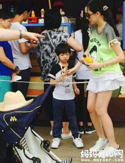 林志颖与儿子同台热舞 kimi现在长大的照片被指友认不出