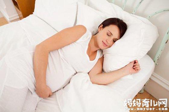 孕晚期要怎么睡才舒服 怀孕晚期最佳睡姿(图)