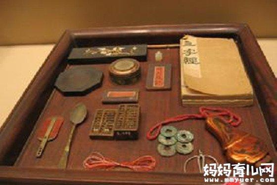 抓周风俗已有千年历史 古代抓周物品清单比现