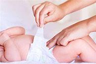 尿布湿的正确穿法图解 仅仅4个步骤让你轻松搞定