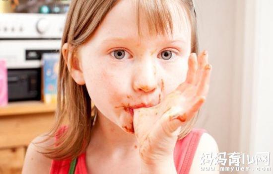 有一种食物比吸二手烟更可怕 别再给孩子吃了!