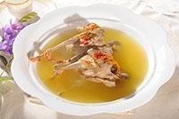 鸽子汤下奶吗?产后喝鸽子汤究竟是回奶还是下奶