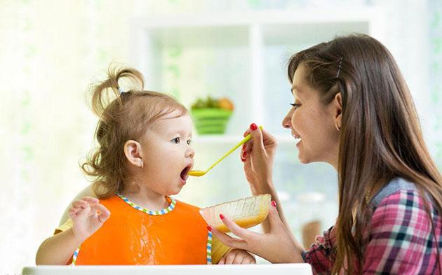 这些信号说明宝宝营养不均衡 赶紧调整饮食