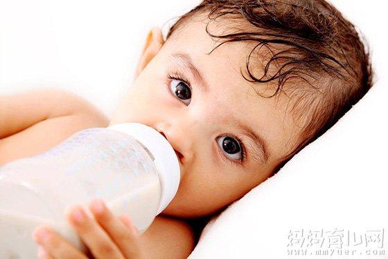 宝宝奶粉要经常换吗  什么时候需要换奶粉有讲究