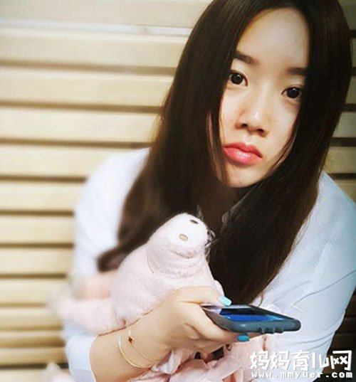 孟非女儿留学近照曝光 清纯可人酷似杨紫