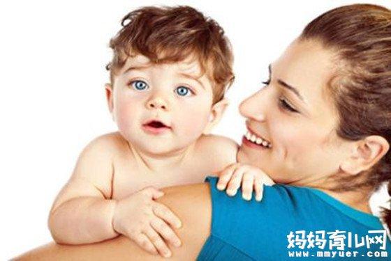 新生儿打嗝如何正确处理 掌握第6大点最重要哦!
