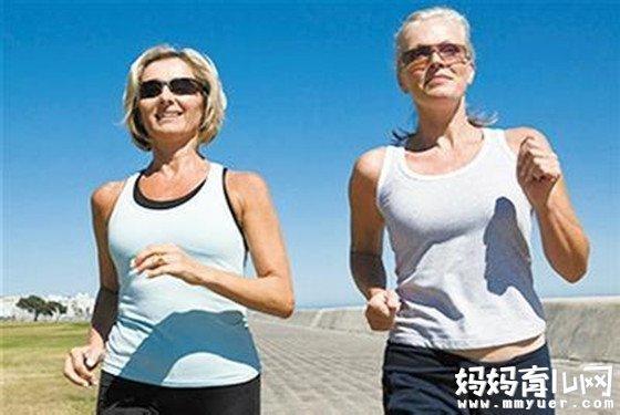 每天一万步月瘦10斤 快走真的能减肥吗?