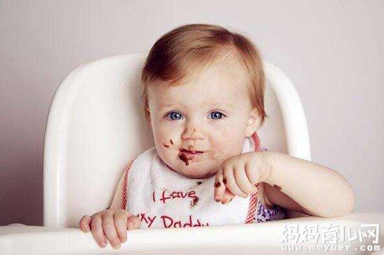 2岁宝宝能和大人一起吃饭吗 2岁宝宝这样喂养才科学
