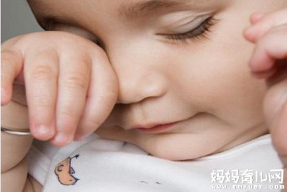 新生儿宝宝眼屎多怎么回事的五大原因 第二个最常见