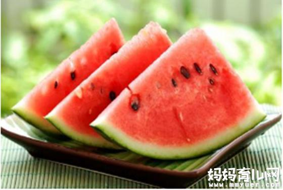 西瓜性寒易致肠胃不适或腹泻 那产妇坐月子能吃西瓜吗