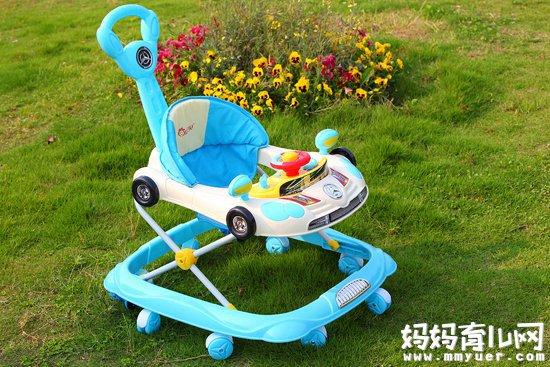 超全的婴儿学步车的利弊分析!看完你还敢用学步车吗?