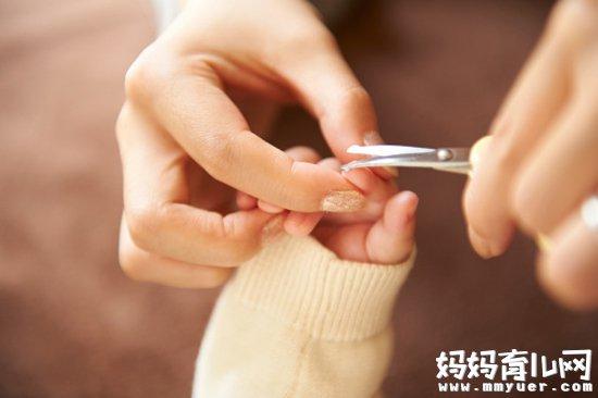 怎样给宝宝剪指甲的方法全在这 再也不用担心剪到肉肉了