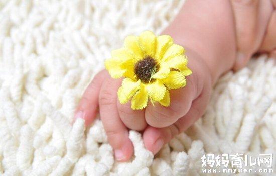 宝宝手指长倒刺的原因竟然是它 宝宝手指长倒刺怎么办