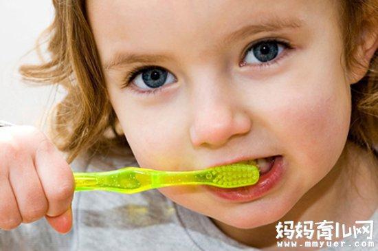 宝宝多大开始刷牙的秘密 别跟我说你知道!