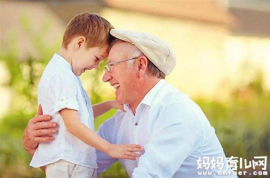 揭秘孩子交给老人带好不好 老人带孩子的6大问题不容忽视