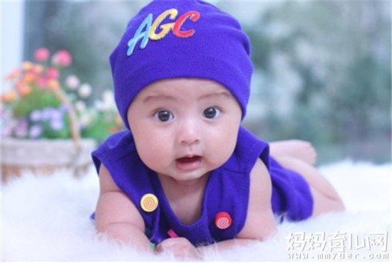 宝宝单眼皮变双眼皮的秘密 眼皮是单是双永远基因说了算