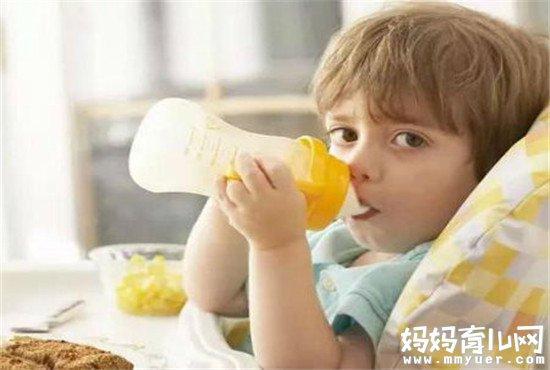 宝宝奶粉现冲现喝最健康 没喝完的奶粉可以放多久有讲究