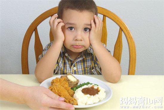 还在头疼孩子不爱吃饭怎么办?拒绝打骂,方法有三!