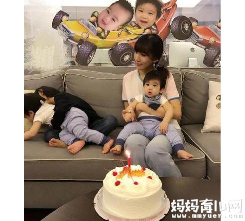 林志颖全家福照片曝光 3个儿子成为1+1=5的幸福家庭