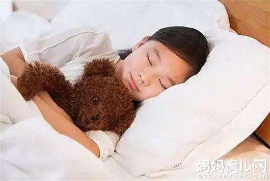 揭秘宝宝多大和大人分房睡最好 男女宝宝各有不同
