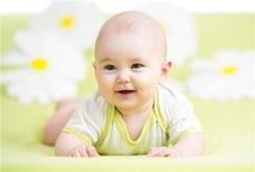 宝宝喜欢捡地上东西吃怎么办 只要一招就解决!