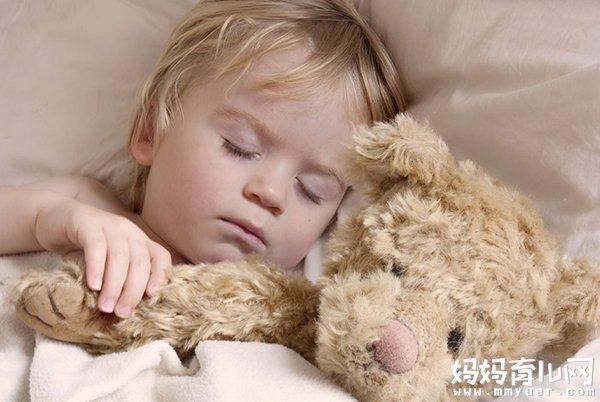 【宝宝尿床】三岁宝宝尿床怎么办 怎么控制孩子尿床