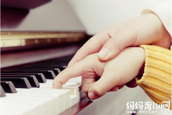 贝多芬4岁、肖邦6岁学琴 孩子学钢琴的最佳年龄是几岁