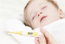 宝宝发烧睡觉要不要叫醒 超过这个体温就应该叫醒