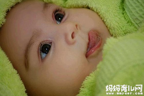小舌头隐藏着大秘密 宝宝舌苔厚黄究竟是怎么回事