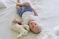 从宝宝拉稀水蛋花样图片 了解宝宝腹泻的症状及原因