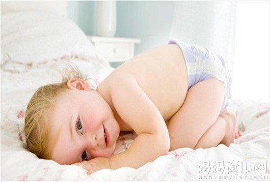 宝宝多大穿拉拉裤有讲究  过早、过晚都不好