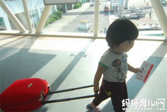 宝宝坐飞机要买票吗 宝宝坐飞机买票的注意事项要牢记