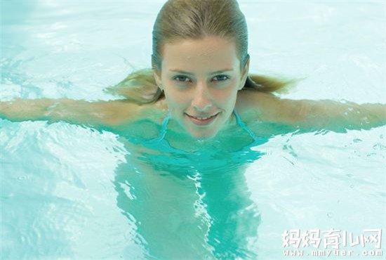 哺乳期可以游泳吗 做到这5点就放心游吧