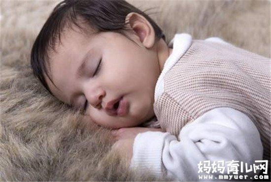 宝宝睡觉头出汗的原因终于找到了!原来是它在作怪...