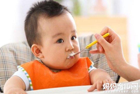 宝宝几个月可以添加辅食 不看后悔,别说你早知道!