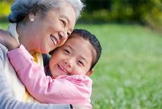 孩子交给奶奶带好吗 孩子交给奶奶带的三大危害不看后悔