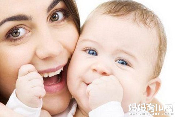 三个月宝宝吃奶量多少正常有标准 奶量突降有原因