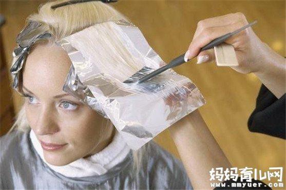 哺乳期可以染发吗 哺乳期染发的危害看完后毛骨悚然
