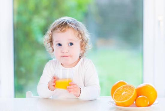 橙汁富含丰富的维生素C   6个月宝宝可以喝橙汁吗