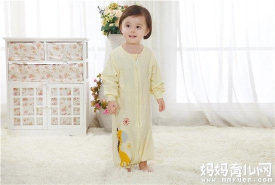 关于使用睡袋的疑惑:宝宝用睡袋还要穿衣服吗