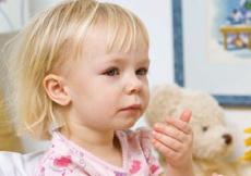 宝宝咳嗽有黄痰怎么回事  宝宝咳嗽有黄痰的食疗偏方