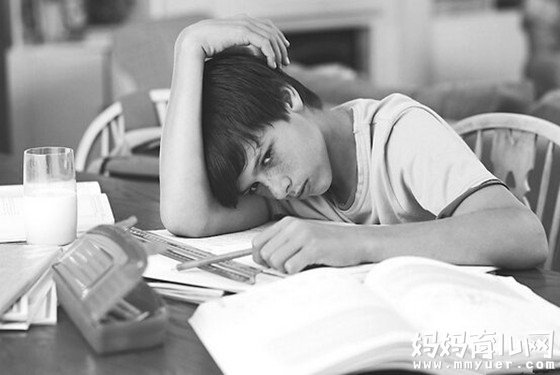 """孩子做作业拖拉磨蹭怎么办的四方法 专治各种""""磨洋工"""""""